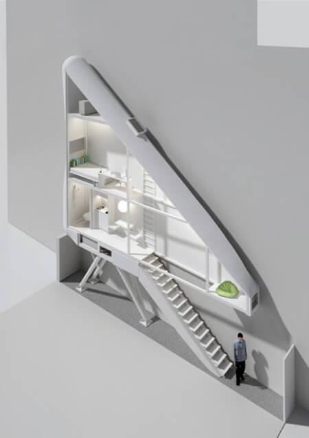 Самый узкий дом в мире - с разложенной лестницей